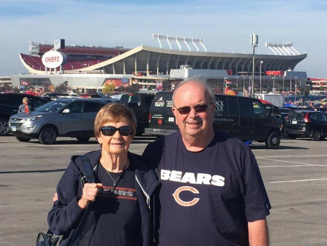 Ann Short Chicago Bears Game With Husband Wayne